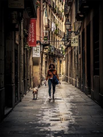 0016 Mujer con perro