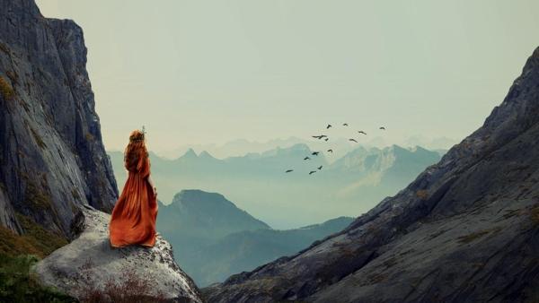 0017 Mujer y montaña